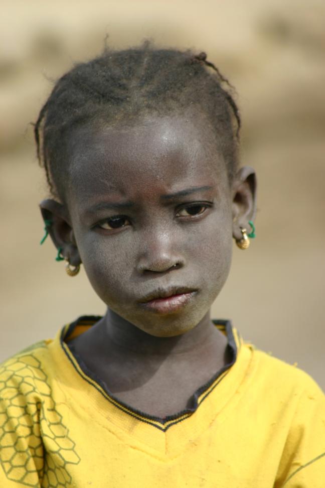 meisje langs de Niger