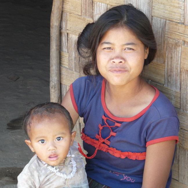 Hmong moeder en kind