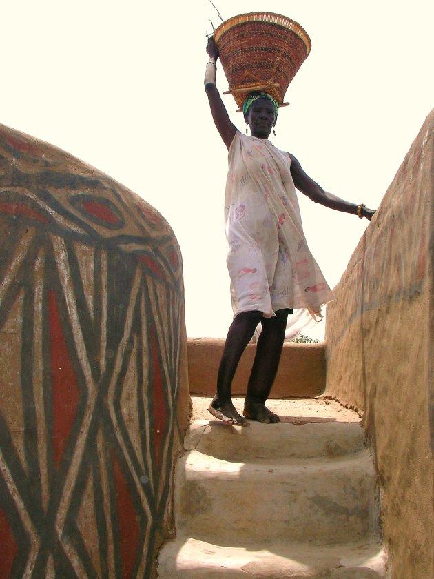 Sirigu - vrouw op het dak