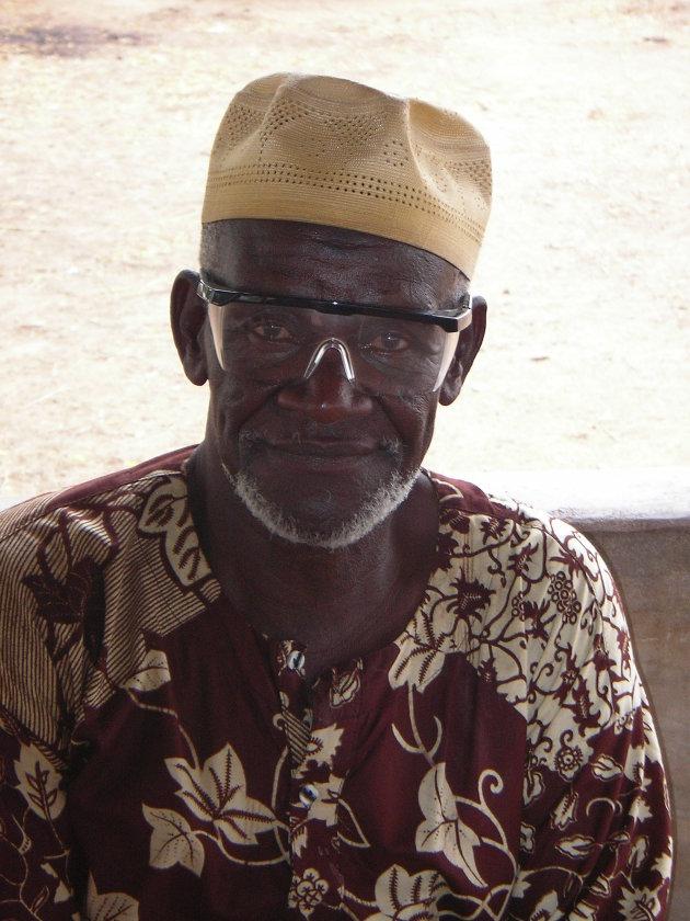 Paga - oude man met bril