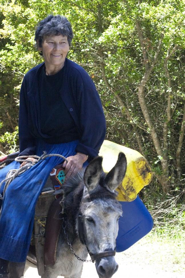 vrouw en ezel