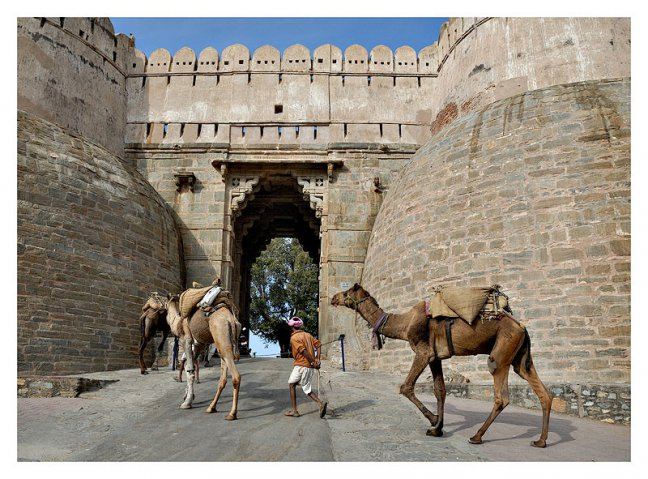 Entering Kumbalgarh