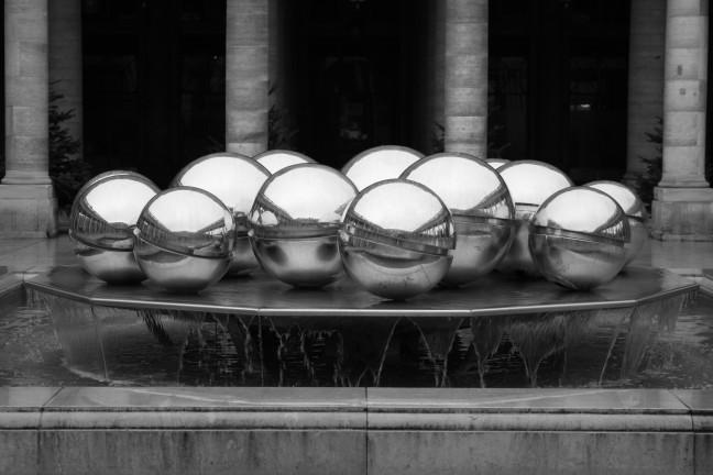 Kunst in de tuin van Palais Royal