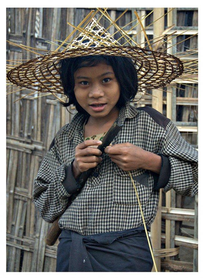 Bambook hat maker