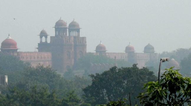 Rode fort in de smog