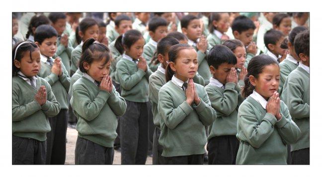bidden voor de les!