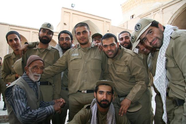 Militairen in Yazd