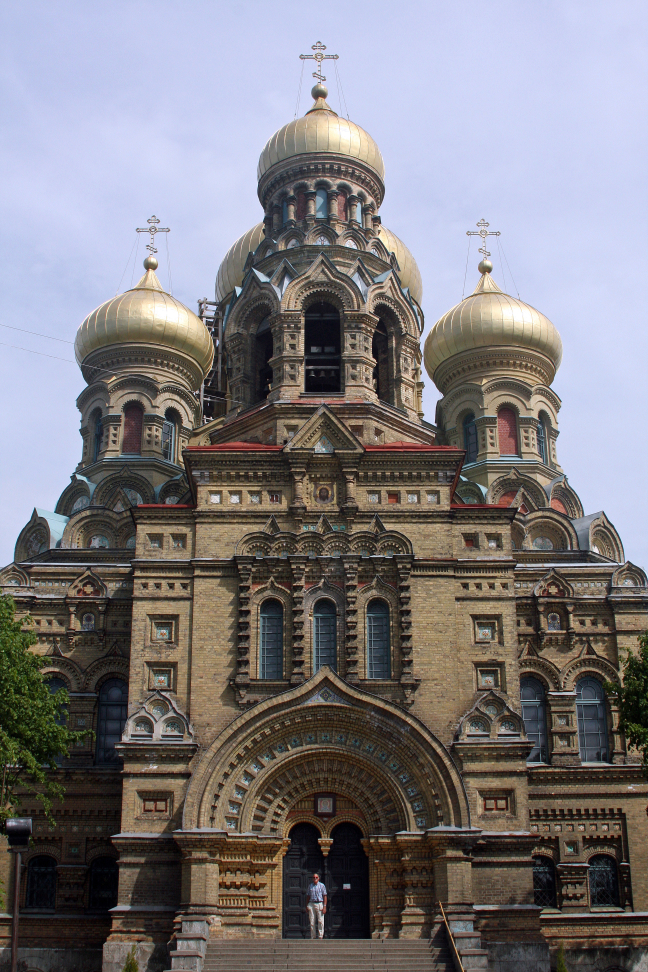 Prachtige Russ.orthod.kathedraal in ärme Russische enclave