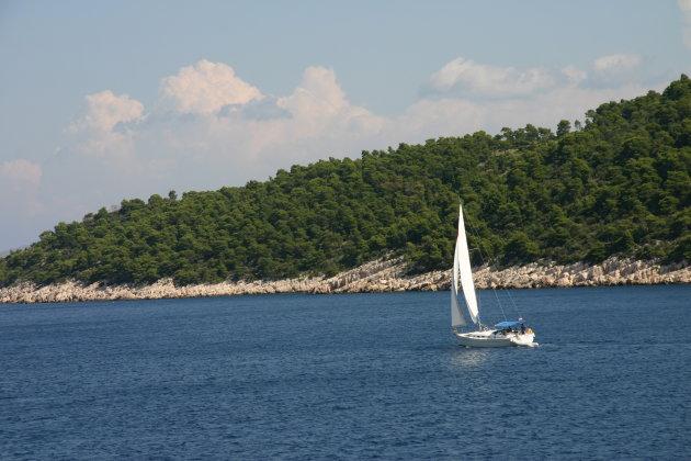 Het typische beeld aan de Kroatische kust