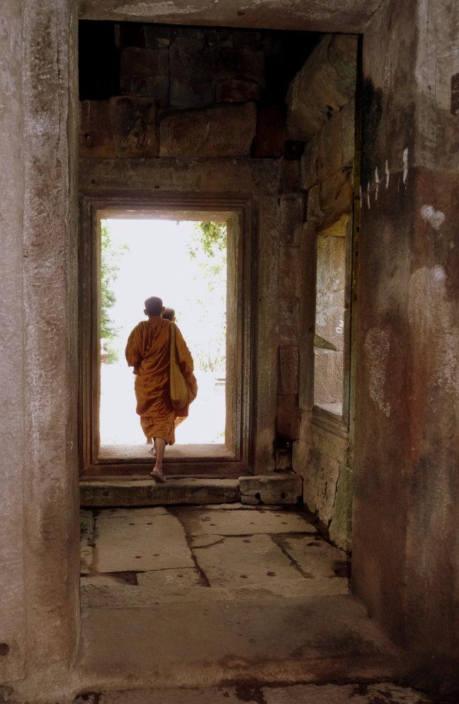 Monniken bij Prasat Phnom Rung
