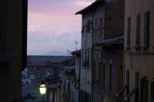 Ondergaande zon in Volterra