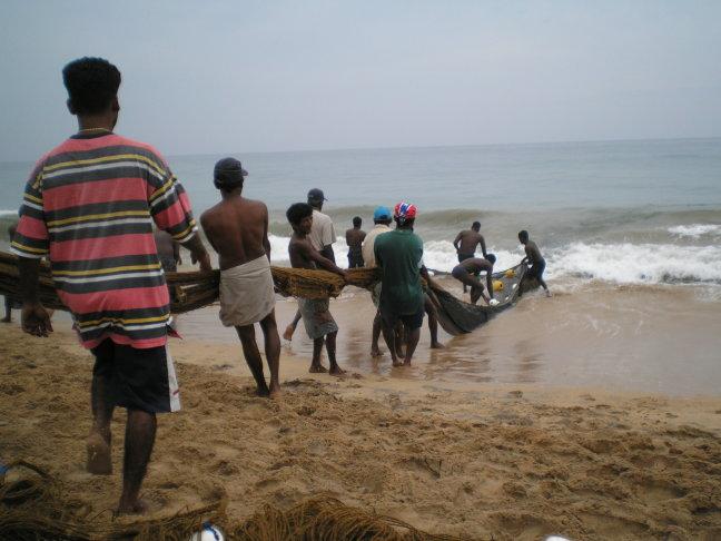 Sri Lanka - vissershalen hun vangst binnen