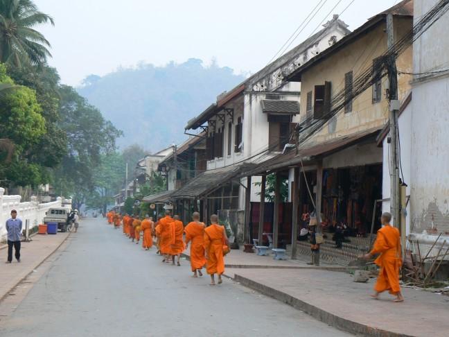 Luang Prabang, Monniken