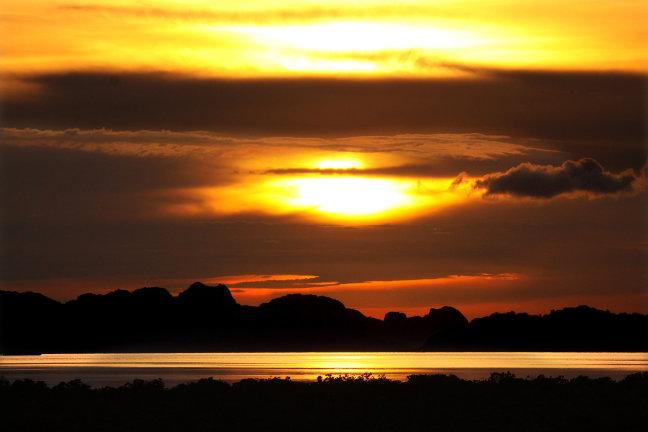 sunset at Quan Lan