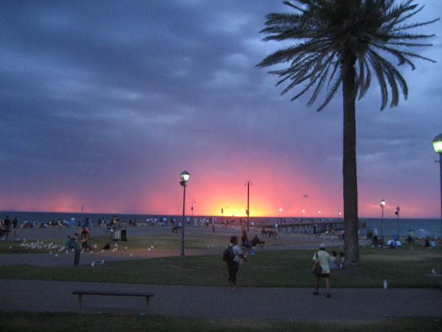sunset boulevard Glenelg