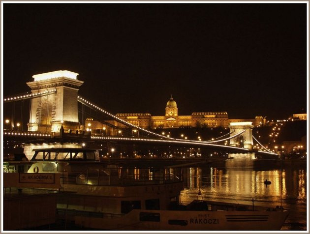 Budapest in de avond