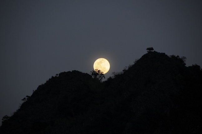 Nacht in Laos