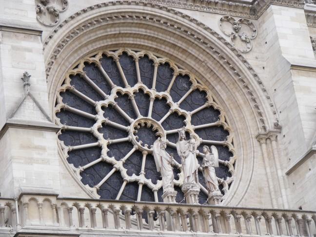 Notre Dame Roosvenster