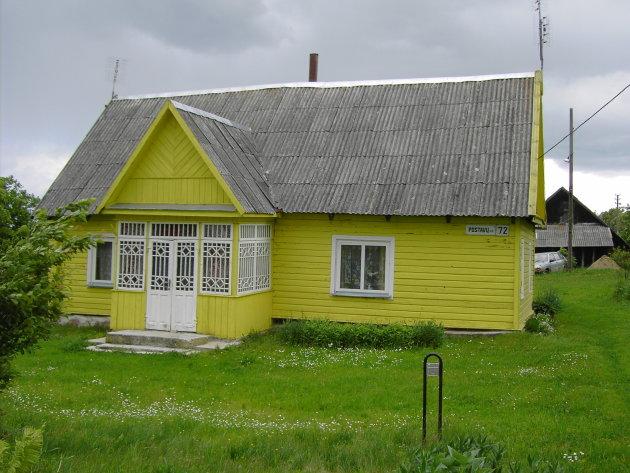 Arbeidershuisje aan de grens met Wit-Rusland