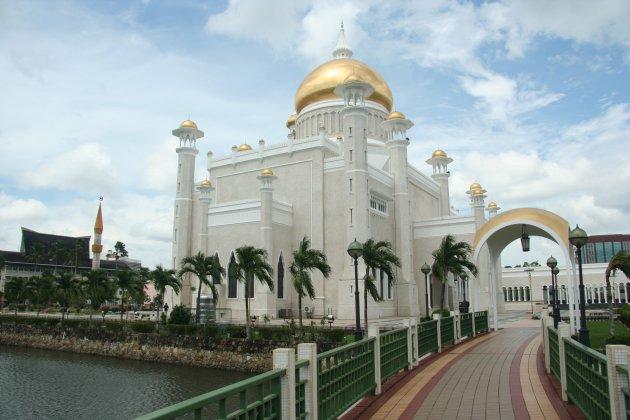 Sultan Omar Ali Saifuddin-moskee