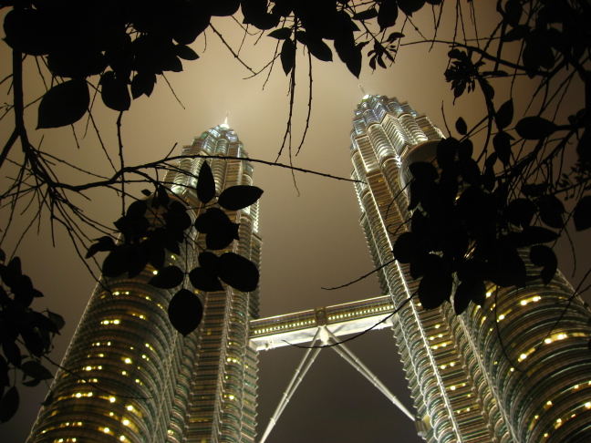 Petronas Towers in zwaar weer