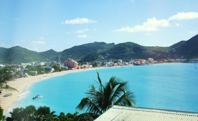 Het strand van Philipsburg St Maarten.