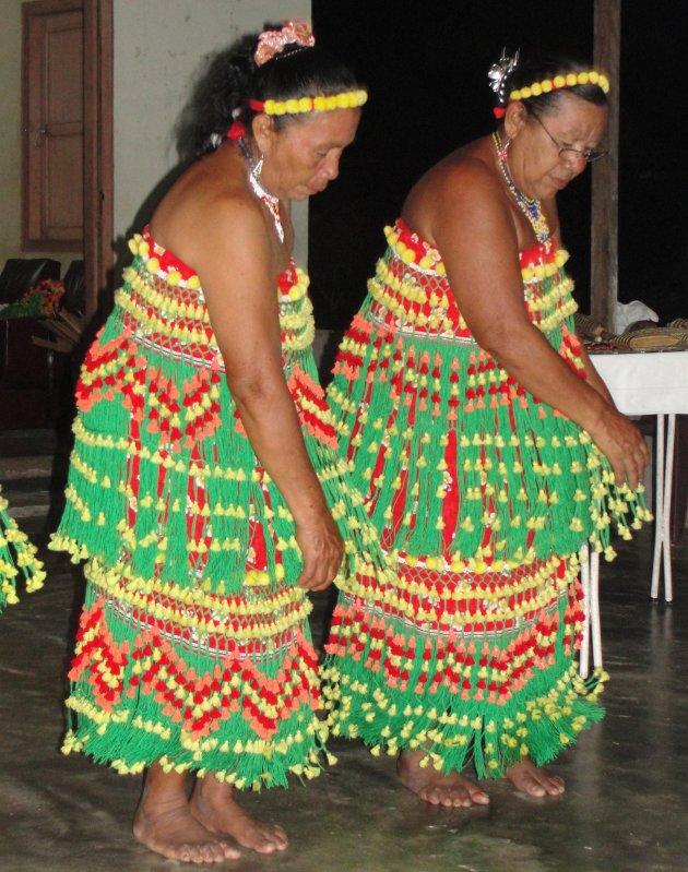 Dansende Inheemse dames