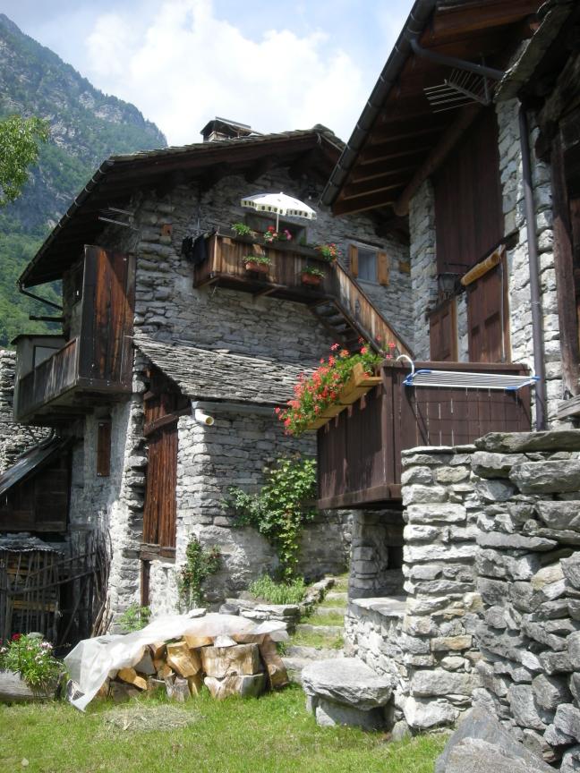 Borgo di Savogno