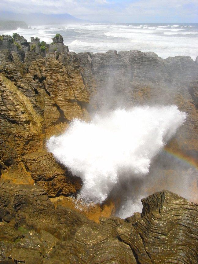 Pancake rocks Nieuw Zeeland met regenboog