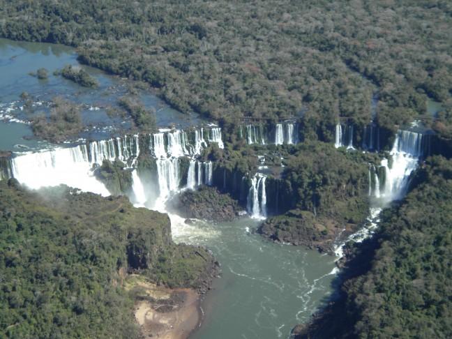 Luchtfoto van de watervallen van Iguazu