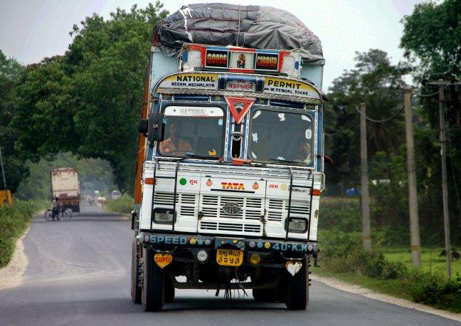 Scheef transport, mooi versierde Tata