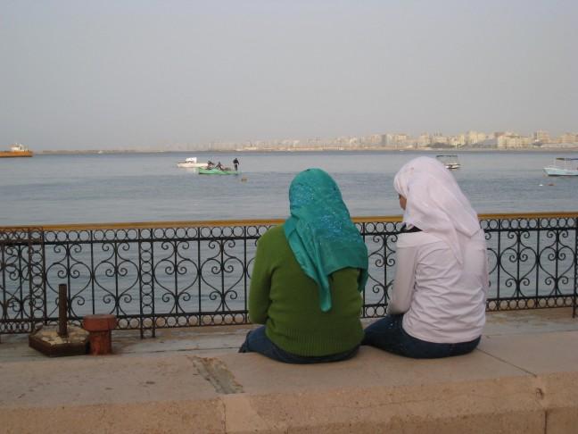 Meisjes bij de zee
