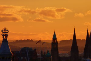 Zonsondergang in Edinburgh