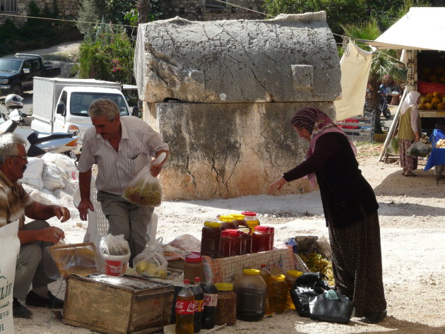 Graftombe op de markt