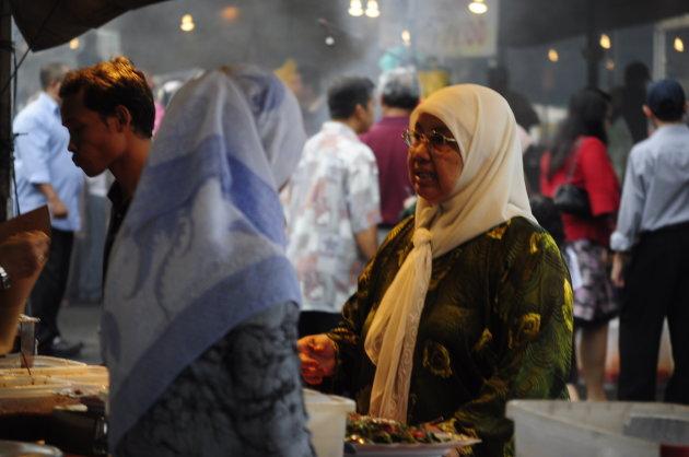 Dames op de markt in Bandar