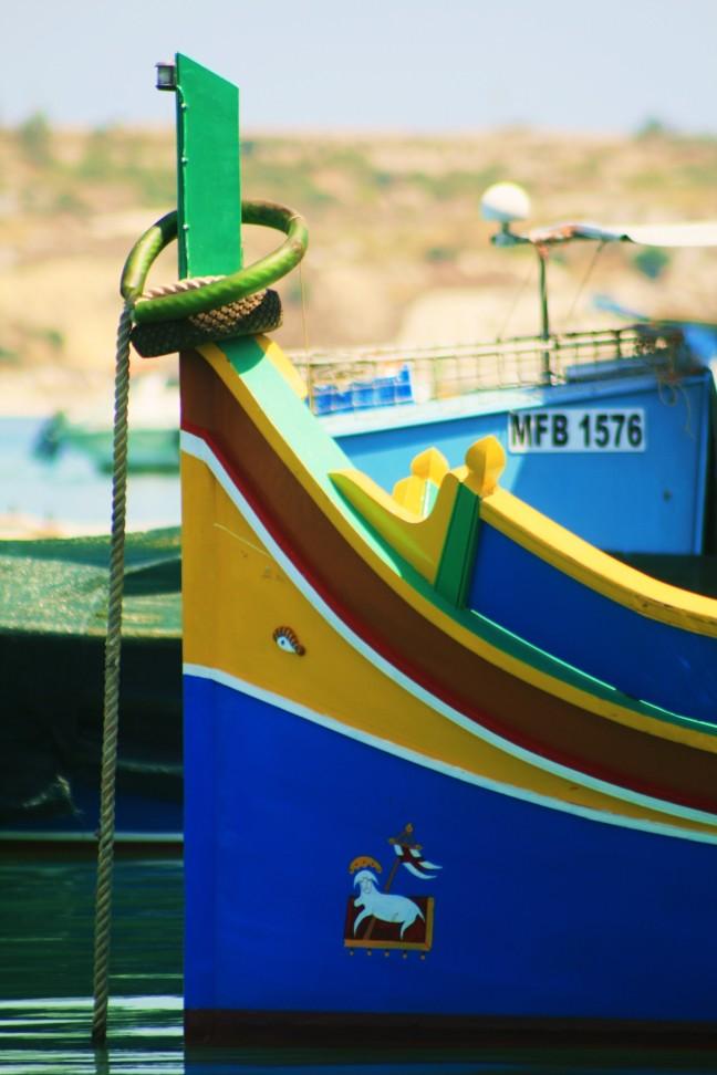 kleurrijke vissersbootjes