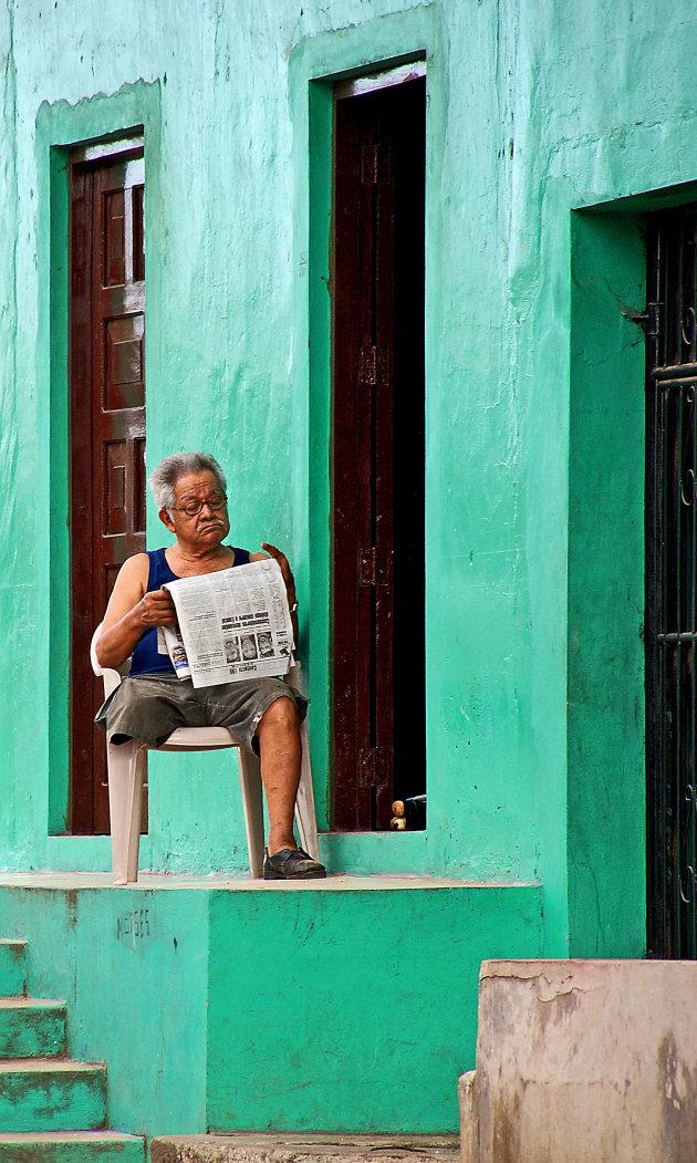 eenbenige krantlezer