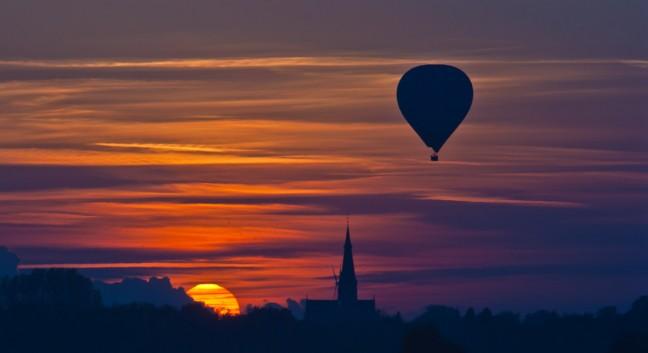 Zonsondergang met luchtballon