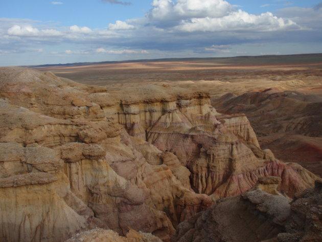 Een uitzicht vanaf de 'great white stupa'