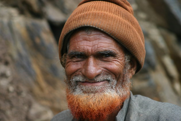 man aan de grens tussen Jammu en Kasjmir en Ladakh