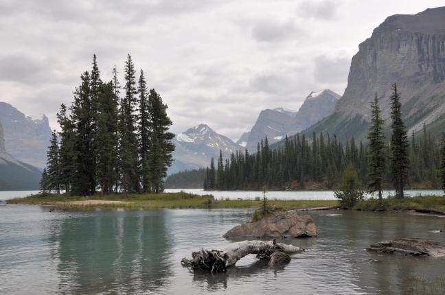 Spirit Island, achterin Maligne Lake, 40 km oost van Jasper