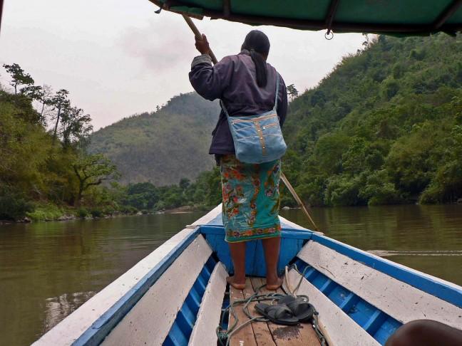 met de longtailboot over de rivier de Kok naar Chiang Rai.