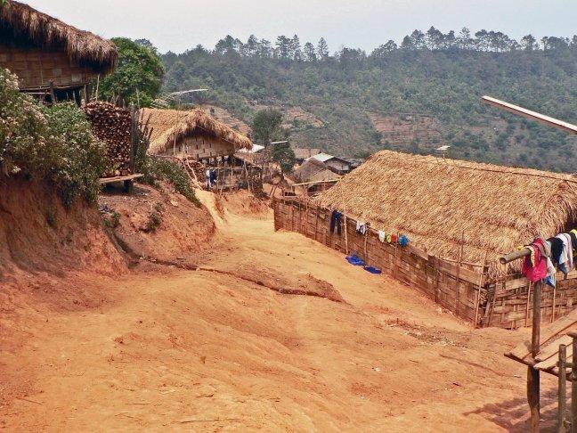 Hill tribes dorp in hetnoorden van Thailand op de grens met Birma.