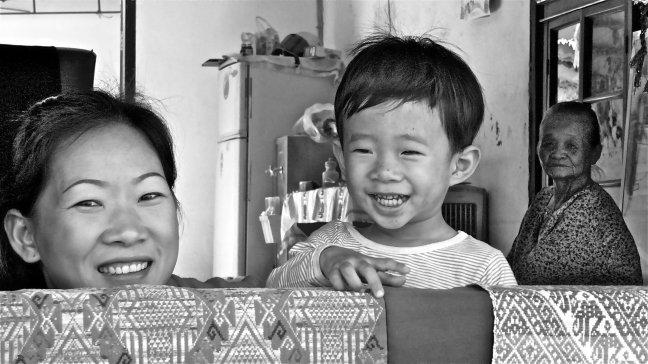 drie generaties in Luang Prabang