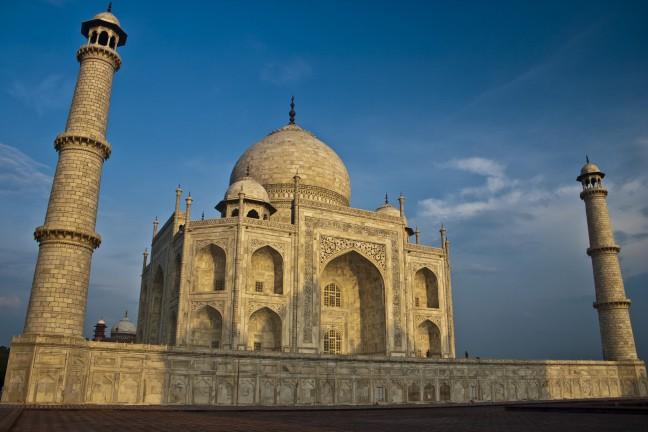 Taj Mahal bij zonsopkomst
