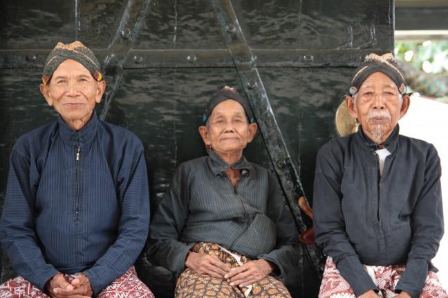 3 inwoners van het Kraton in Jogjakarta