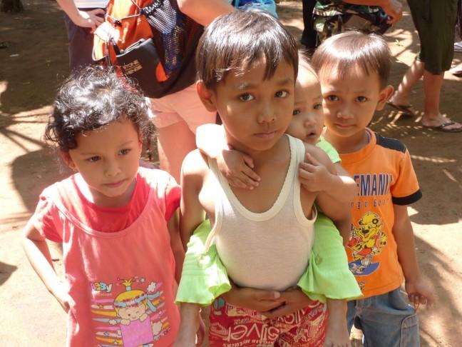 Kinderen uit de kampong