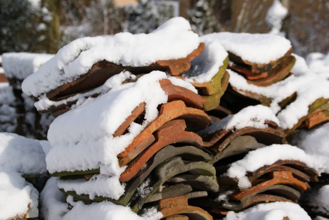 pannetje met sneeuw