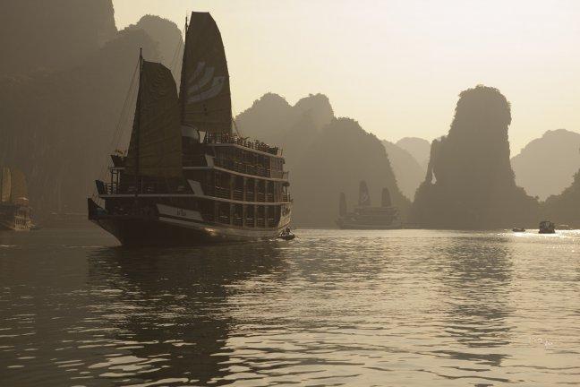 Halong Bay cruise ships
