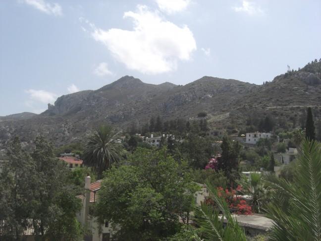 Bellapais Abdij en omgeving